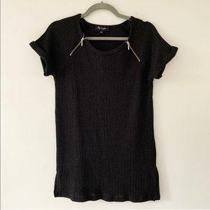 🦋 Lily Morgan black ribbed t shirt